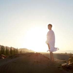 魏语诺《一个人的歌》MV首发 展魅力之声