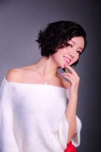 王瑾姿新歌《匆匆走过那些年》登陆各排行榜