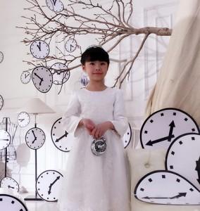 包胡尔查创作歌曲《我想调慢钟表》献礼母亲节
